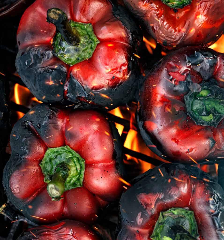 A paprikakrémleves sült paprikából készül, gránátalmával a zsidó újévre