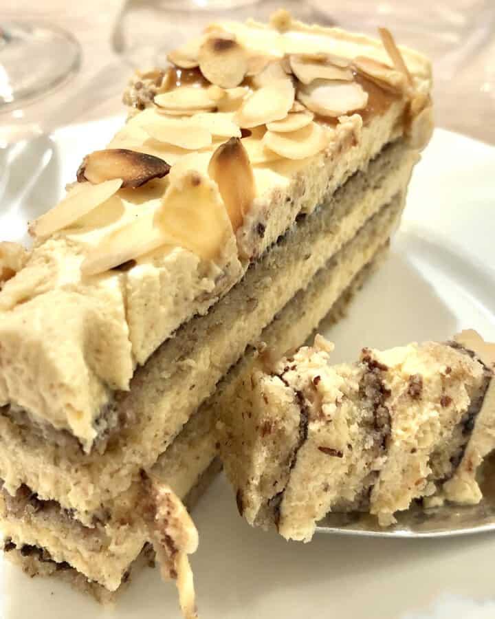 karamellizált fehér csoki mousse torta